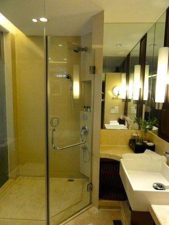 BEST WESTERN World Trade Hotel Jinhua: シャワーブースのみでした。 他の部屋に浴槽があるかは不明です
