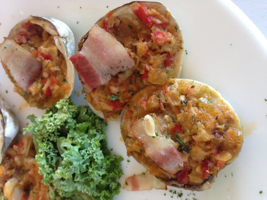 Tuckahoe Inn : Clams casino. The lemon seed was my faulty squeezing.