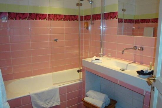 """La Petite Folie: Blue Room""""s bathroom"""