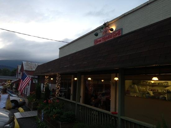Three Notch'd Grill: love the flag at front entrance