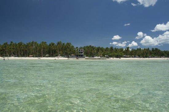 Skip's Beach Resort: the beautiful beach