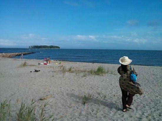 Silver Sands State Park : Island is seen at the ens