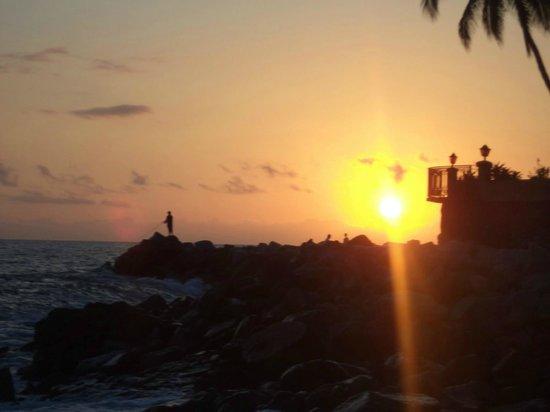 Los Tules Resort: atardecer