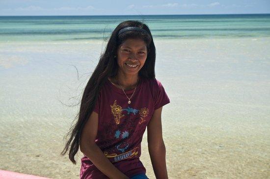 Skip's Beach Resort: Belle , the owner