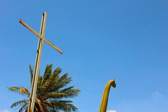 Cabazon Dinosaurs: Cross and Dino in Cabazon