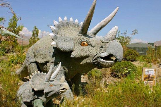 Cabazon Dinosaurs Seminole Drive Palm Springs California United States Of America