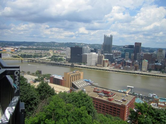Monongahela Incline : view of Pittsburgh