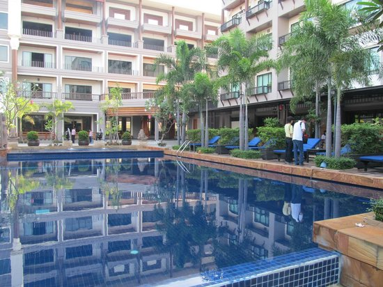 Royal Empire Hotel : View from Pool