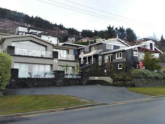 Queenstown House Boutique Bed & Breakfast & Apartments: Accommodation and attached flats