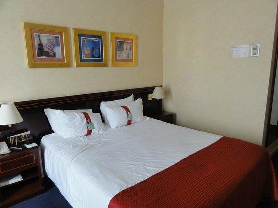 Holiday Inn Madrid: 部屋