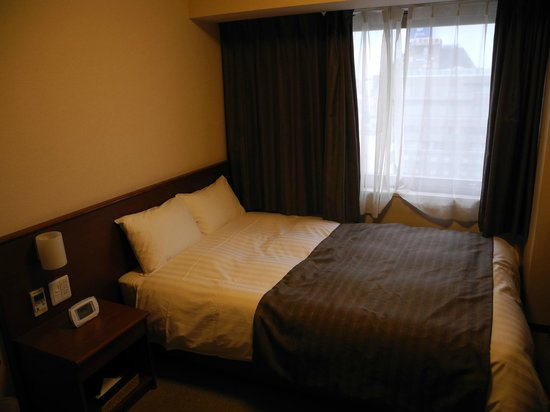 La Vista Kushirogawa: Queen size bed - comfy, clean and modern
