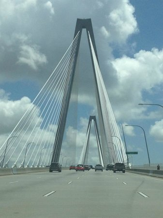 Staybridge Suites North Charleston: Cooper river bridge, with in 10min from Hotel
