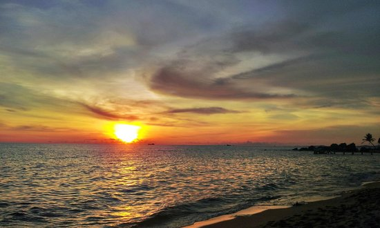 Long Beach Resort Phu Quoc: Sunset