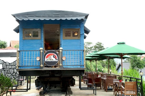 Dalat Train Cafe