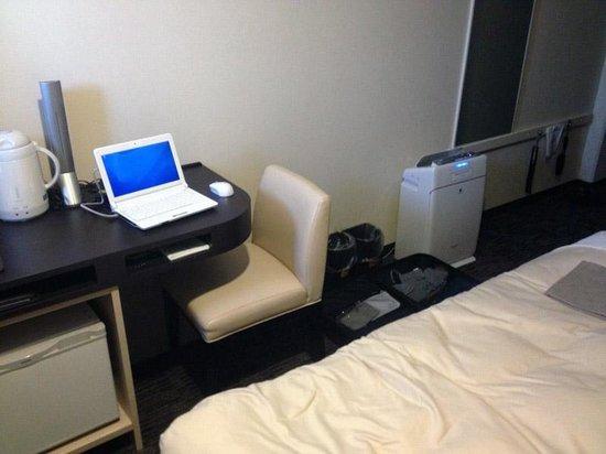 Mitsui Garden Hotel Osaka Yodoyabashi: シングルルーム、かなり狭いです。