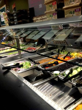 Whole Foods Market : the salad bar!!!!
