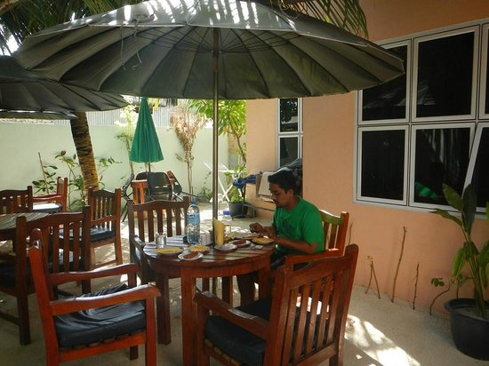 Summer Villa Guest House: breakfast