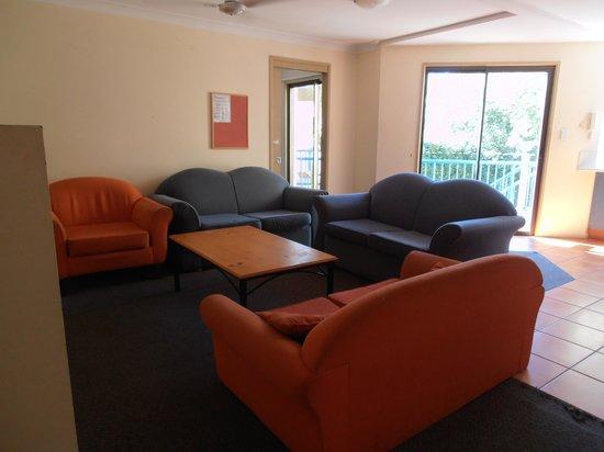 Sleeping Inn Backpackers: Living room