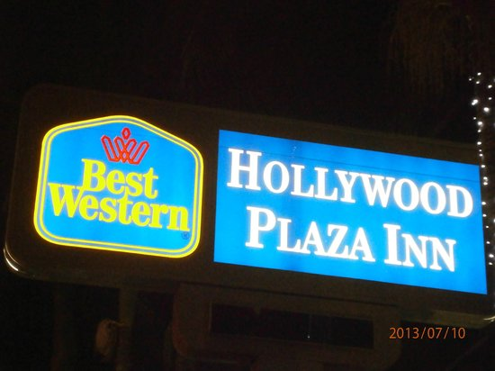 BEST WESTERN Hollywood Plaza Inn: Front of hotel