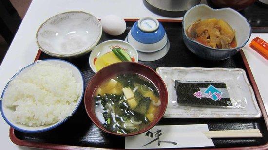 Business Hotel Issa: 朝食