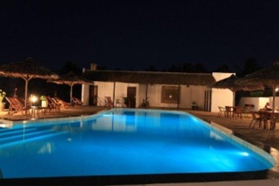 Blue Moon Beach Holiday Resort: Night