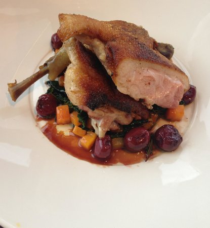 Ceto Restaurant and Bar: Twice cooked duck with cherries... Bliss!