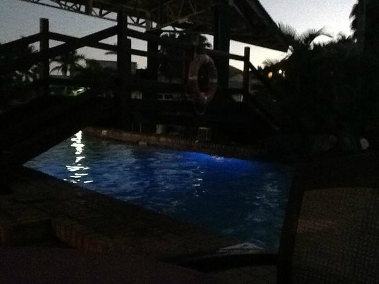Tokatoka Resort Hotel : The pool at dusk