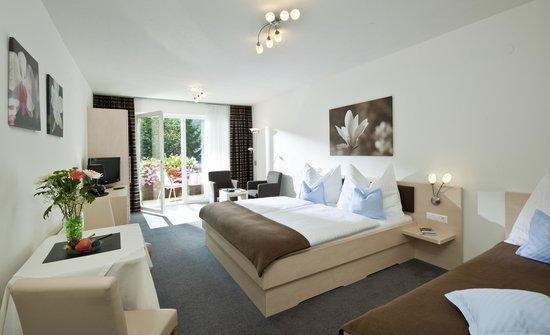 Haus Maria: Dreibettzimmer mit Südbalkon