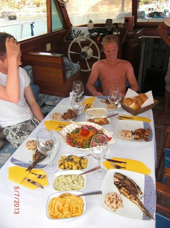 Boat Trips by Captain Ergun : mmm nice lunch!