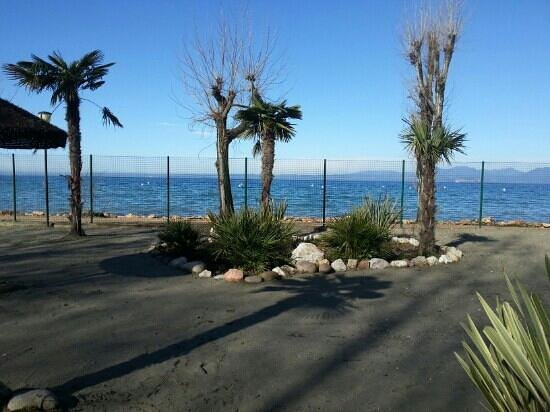 Camping Cisano San Vito: vista lago