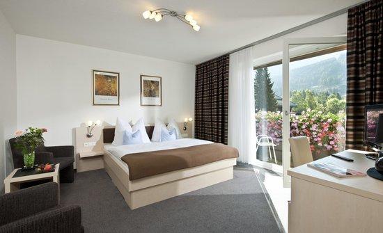 House Maria: Doppelzimmer mit Südbalkon