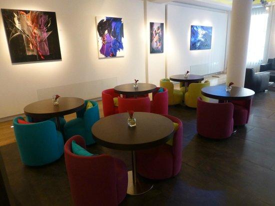 Le Marceau Bastille Hotel: Zona desayuno-Hall