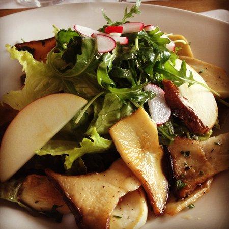 Gasthaus Maria Gruen: Salat mit Kräutersaitlingen