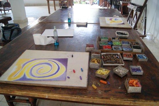 Bali Center for Artistic Creativity: colors