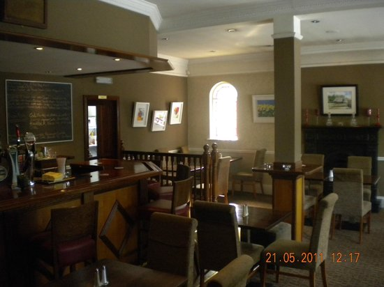 The Hollow Bar: lounge
