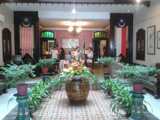 Hotel Puri: Hotel lobby entrance
