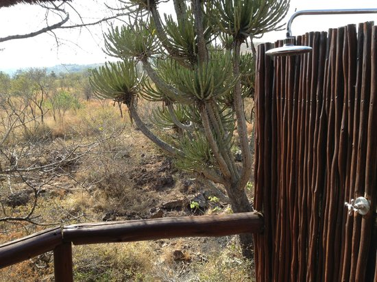 Camp Shonga: Amazing outdoor shower