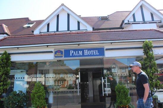 BEST WESTERN Palm Hotel : Devanture de l'hôtel