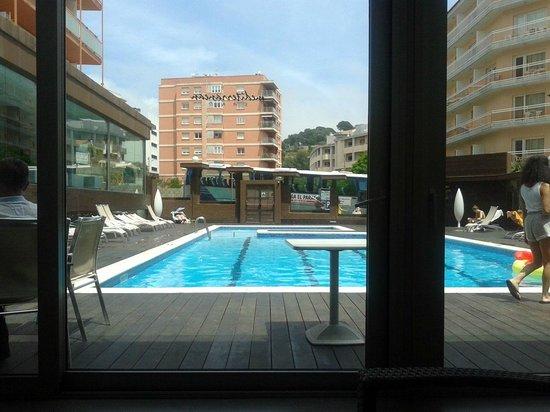 Mediterranean Sand: Pool seen from hotel's bar