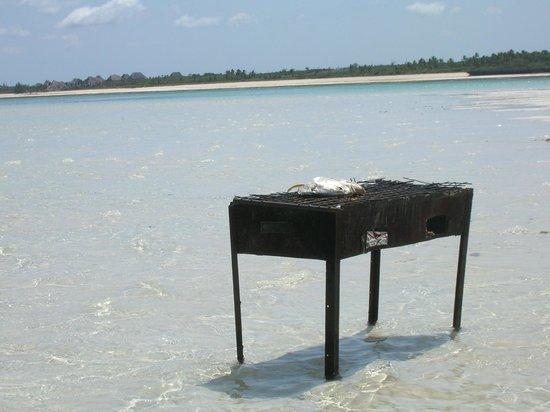 Sandies Coconut Village: Grigliata sul mare
