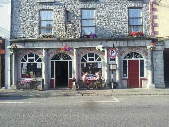 Gibbons' Pillar House Bar & Restaurant : Summer's Evening July 2013