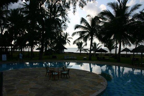 Neptune Paradise Beach Resort & Spa: Vue d'une des picsines
