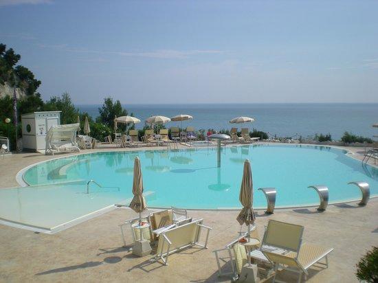 Hotel Eden Gigli : la piscina di acqua di mare