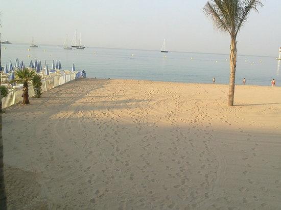 Avant l installation des chaises longues picture of - Chaises de plage ...