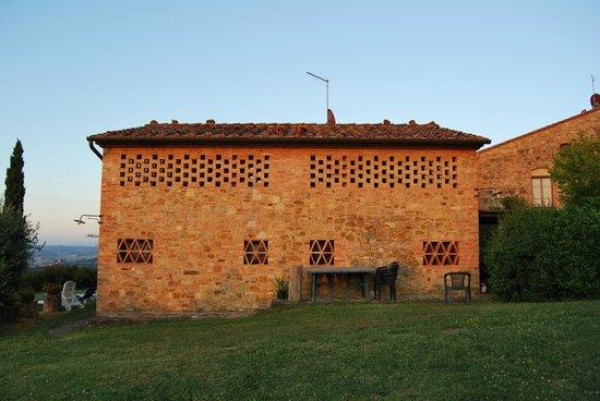 Rigone in Chianti : In diesem Gebäude befinden sich die Wohnungen Tarquinia (rechts) und Ansedonia