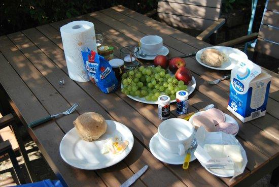 Rigone in Chianti : Frühstück auf der Terrasse