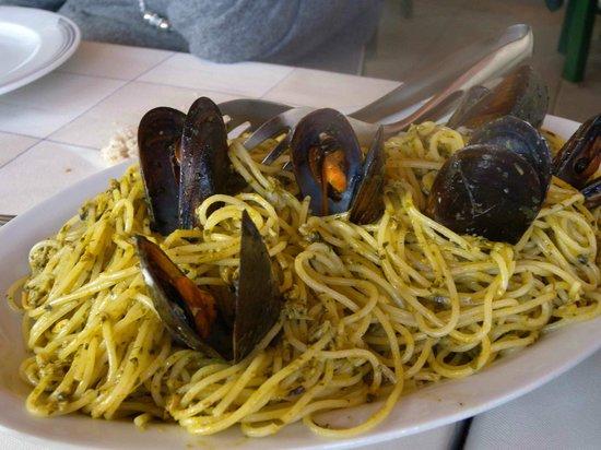 Spaghetti bagna verde foto di bagno venezia ameglia - Bagno venezia fiumaretta ...