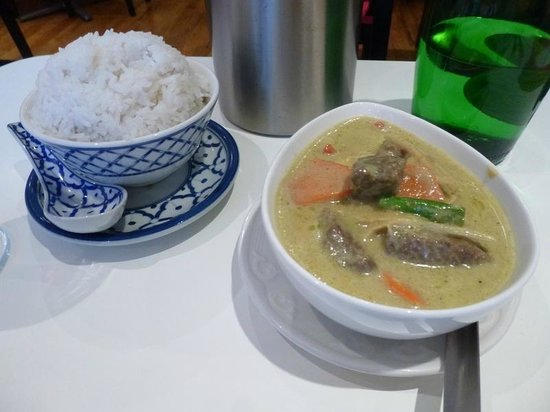 D-Dee Thai Restaurant: Green Curry