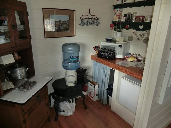 Corner Cottage B&B: Kitchen