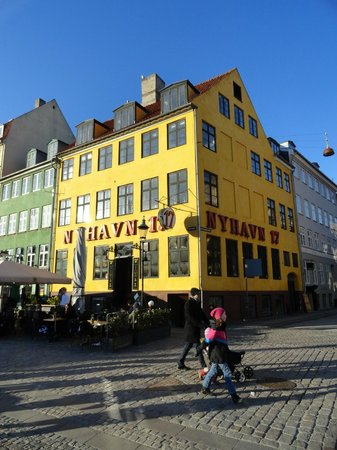 New Port Tours - Discover Copenhagen: Nyhavn 17